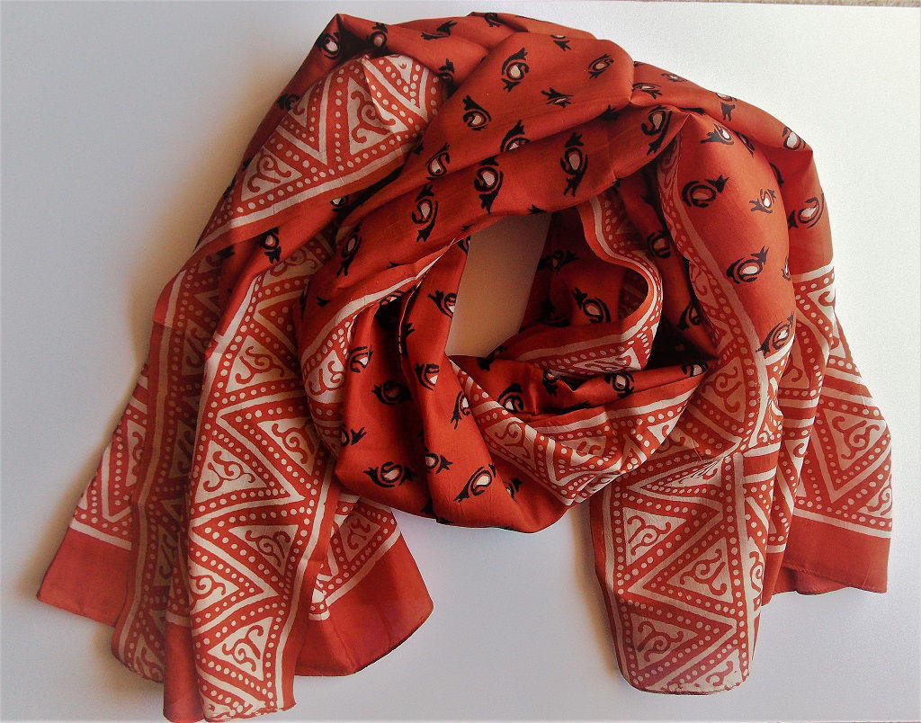 Picture of Invisible World Women's 100% Mulberry Silk Scarf