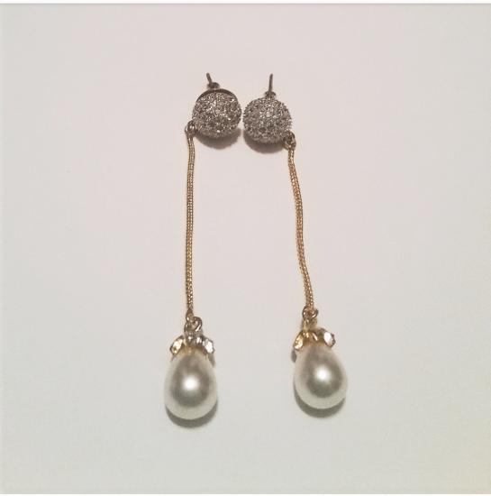 Picture of Pearl Dangle Earrings//Pearl Drop Earrings//Single Pearl Drop Earrings